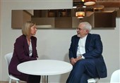 دیدار ظریف و موگرینی در داووس/ رایزنی در خصوص برجام و سوریه