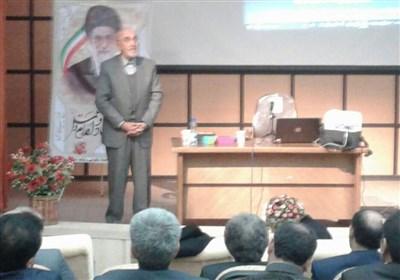 پروفسور اکبرزاده