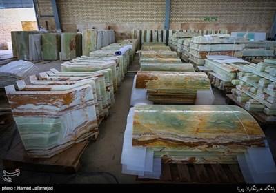 سنگ های دیوار،کف و ستون های صحن حضرت فاطمه زهرا سلام الله علیها در نجف اشرف