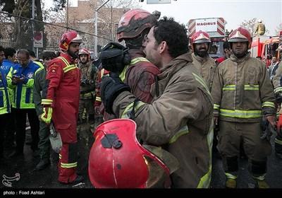 فرو ریختن ساختمان پلاسکو در پی آتش سوزی