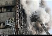 قالیباف: 20 آتشنشان شهید شدند/دسترسی به طبقات زیرین ساختمان/ پیچیدگی عملیات نجات محبوسان/ حضور تیمهای تشخیص هویت/مردم نگران اموالشان نباشند/ هیچ مورد امنیتی در حادثه دخیل نبود + فیلم و تصاویر