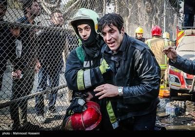 فرو ریختن ساختمان پلاسکو در پی آتش سوزی - 3