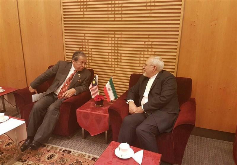 ظریف یلتقی وزیری خارجیة مالیزیا وباکستان