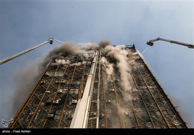 فرو ریختن ساختمان پلاسکو در پی آتش سوزی - 4