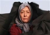 آزیتا حاجیان در گفتگو با تسنیم: فیلمنامهها هیچ کمکی به مردم نمیکند