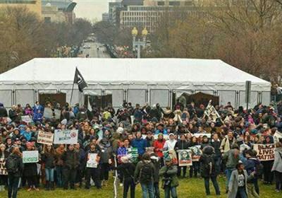 تظاهرات علیه ترامپ دقایقی پیش از مراسم تحلیف+عکس