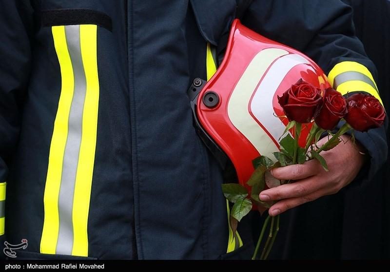 جامعه قرآنی به آتشنشانان جانفشان ادای احترام کرد