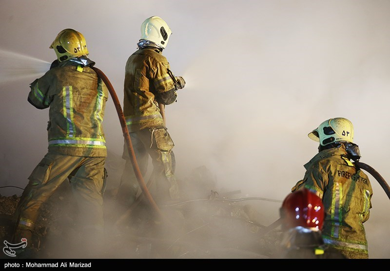 اعزام متخصصان کنترل فوران چاه های نفت به محل پلاسکو تصاویر/گاوصندوقهای کشفشده در جریان آواربرداری پلاسکو ...