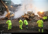 فیلم/ احتمال یافتن پیکر تعدادی از آتشنشانان در ضلع شمال غربی پلاسکو