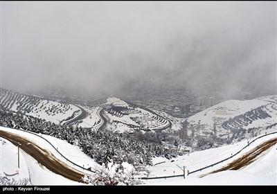 هطولات ثلجیة فی سنندج غرب ایران