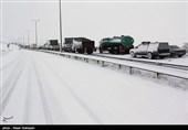 برف و کولاک در جادههای چند استان