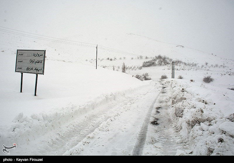 کولاک در برخی محورهای مواصلاتی استان قزوین/آزادراه قزوین-رشت همچنان مسدود است