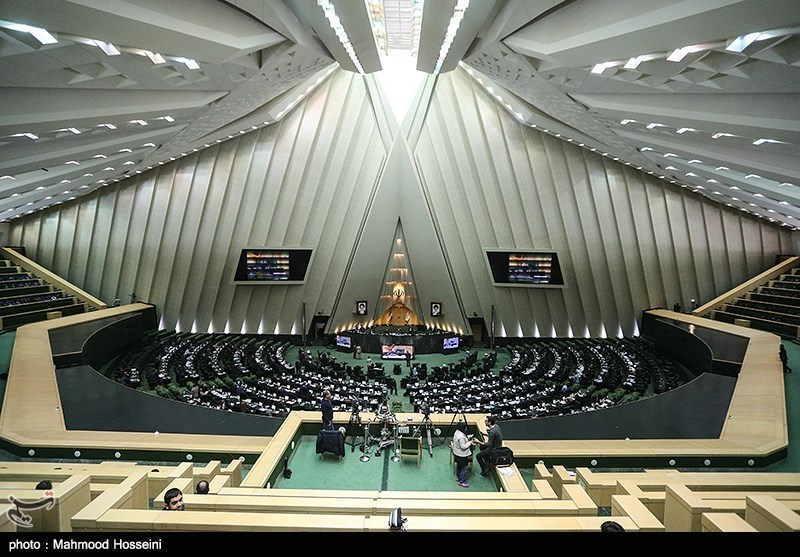 Iran's Parliament Receives 3-Month Report on JCPOA Implementation