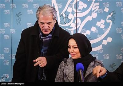 بهنوش صادقی کارگردان و ناصر هاشمی بازیگر فیلم خانه دیگری در نشست خبری - سیوپنجمین جشنواره فیلم فجر
