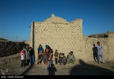 روستای دیوانه؛ نام خانوادگی اغلب اهالی این روستا، «دیوانه» است؛ قدیمیترهای این روستا میگویند نام این روستا به دلیل دست و دلبازیهای بیش از حد اهالی، بر روی آن گذاشته شده بود که بعد از پیروزی انقلاب اسلامی، نام آن به روستای آزادی، تغییر کرد.