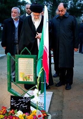 امام خامنہ ای کی گلزار شہداء اور امام خمینی کے مزار پر حاضری