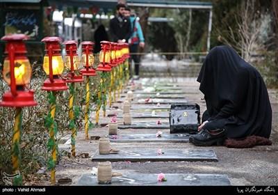 غبار روبی مزار شهدا با حضور استاندار تهران