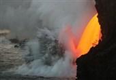 فیلم / آبشاری از گدازه در هاوایی