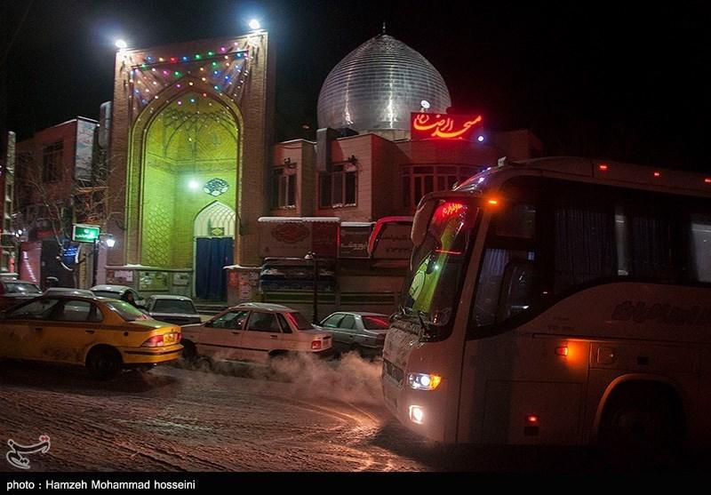 اسکان موقت مسافران درگیر در بهمن - دماوند
