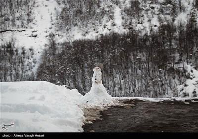الثلوج تغطی منطقة ماسولة الجبلیة