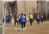 آخرین توصیههای منصوریان به بازیکنان و برگزاری تمرین در هوای بارانی + عکس