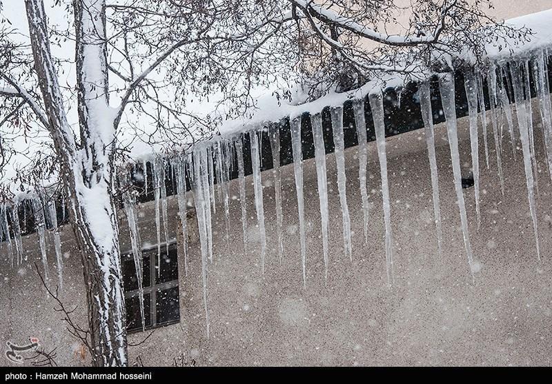 گلگت بلتستان کے بالائی علاقوں میں برفباری کا سلسلہ جاری
