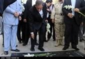معاون اول رئیسجمهور به مقام شامخ شهدای سیرجان ادای احترام کرد