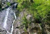 """ایران کے صوبہ """"خراسان رضوی"""" کے خوبصورت مقامات میں سے """"ارزنہ آبشار"""" کی سیر"""