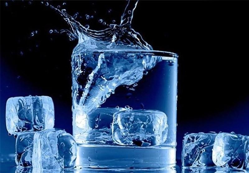لهذه الاسباب .. تجنبوا شرب الماء البارد فی فصلی الخریف والشتاء!