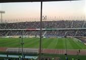 لیرز انداختن روی صورت ژاوی/ پُر شدن ورزشگاه آزادی و حضور فرهاد مجیدی + عکس
