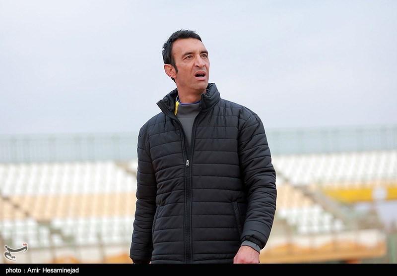 عنایتی: برخی افراد مانند خوره به جان استقلال افتادهاند/ در فوتبال ایران ارتباطات نقش تعیین کننده دارد نه کارآیی