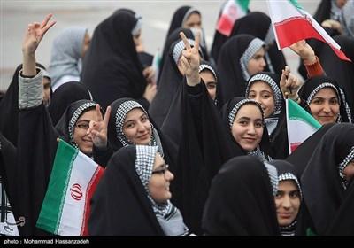 مسیرات الذکرى الـ38 لانتصار الثورة الإسلامیة