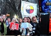 شعلهور شدن آتش اعتراضات جدید در آمریکا/خیزش بومیان علیه تصمیمات جنجالی «ترامپ» + تصاویر اختصاصی