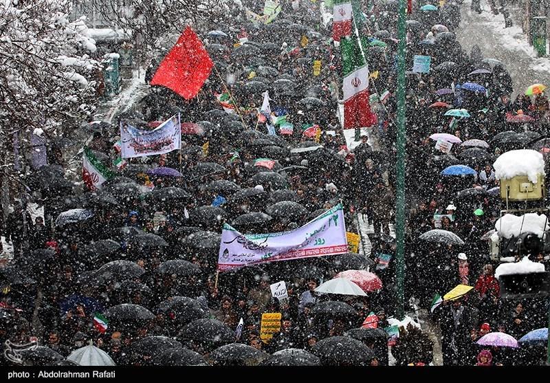 بهمن تماشایی 97  راهپیمایی پرشور مردم دیار هگمتانه در هوای برفی؛ خط و نشان همدانیها برای ترامپ