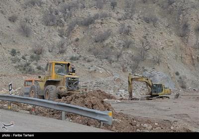 139511232248181729984243 رانش زمین و ریزش کوه در لرستان + تصاویر و جزئیات حادثه