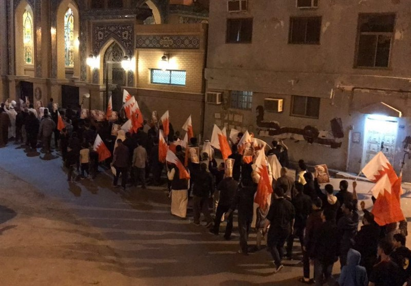 Bahrainis Hold Symbolic Funeral for 3 Killed by Regime