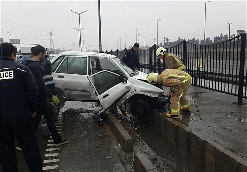 تماس با پلیس 110 بعد تصادف با شیء ثابت الزامی است