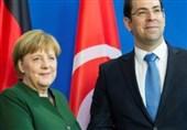 مرکل خواستار تسریع روند اخراج پناهندگان به تونس شد