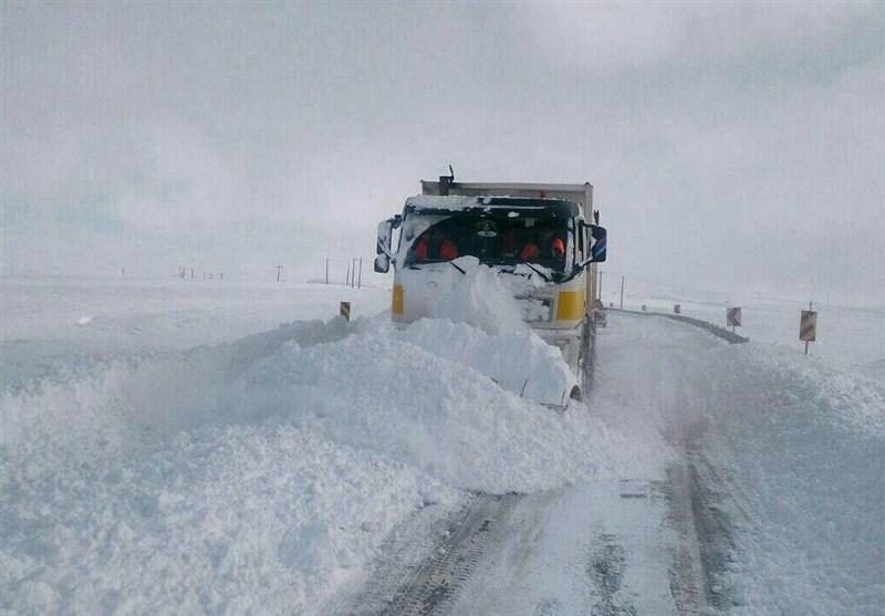 ورود اتوبوس به محور سرچم-اردبیل ممنوع شد/آمادهباش 120 اکیپ راهداری در جادههای اردبیل