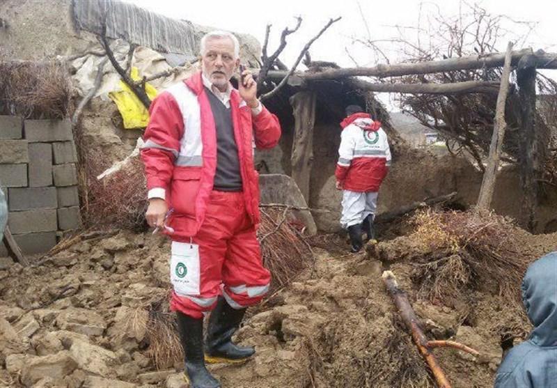 حضور مدیران امدادی فارس در نقاط سیل زده/بالگرد امدادی آماده پرواز است