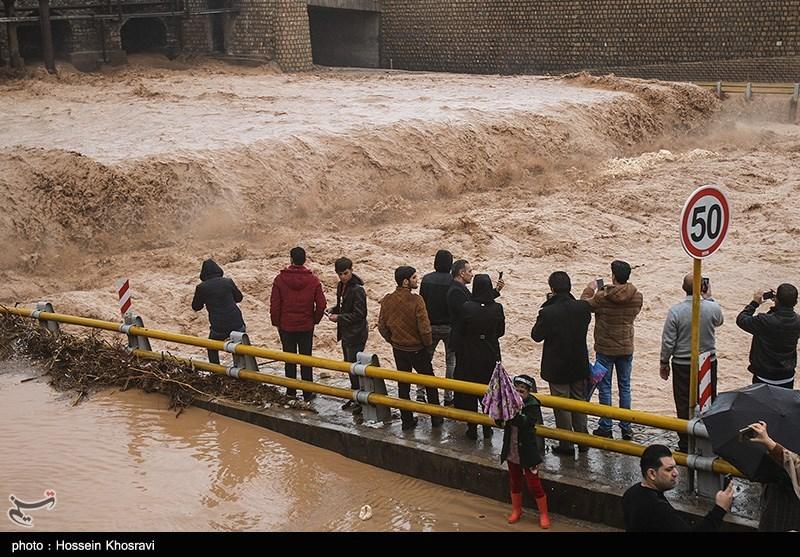 کشور را آب برد؛ امداد و نجات را خواب/ بودجه میلیاردی هلال احمر کجا هزینه میشود؟