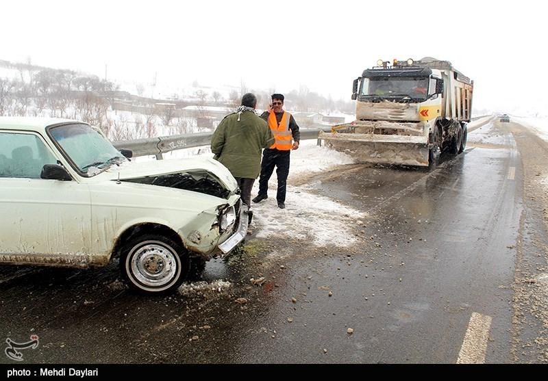 عبور تریلر تا اطلاع ثانوی در محور گدوک شهرستان فیروزکوه ممنوع است