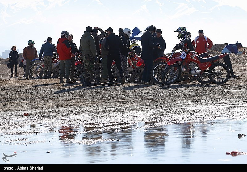 دور دوم مسابقات چندجانبه موتورسواری المپیاد فرهنگی-ورزشی جام فجر برگزار شد