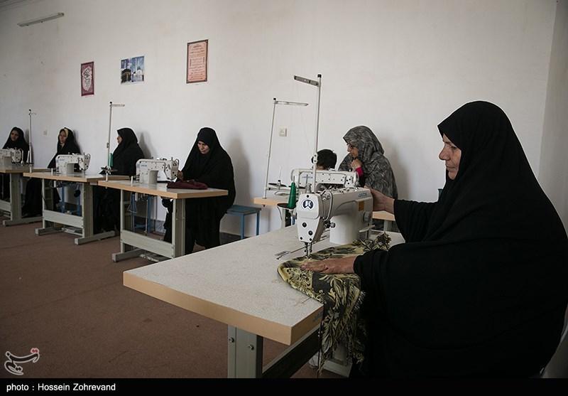 درآمدزایی برای ضعیفترین اقشار جامعه/ سپاه چگونه زنان بیسرپرست سیستان و بلوچستان را شاغل کرد؟ + تصاویر و فیلم