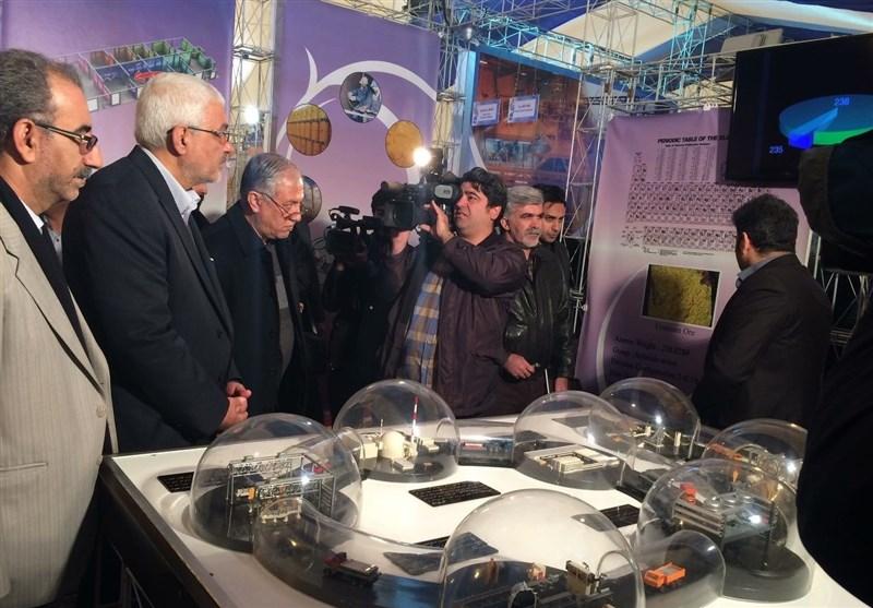 افتتاح نمایشگاه دستاوردهای صنعت هستهای کشور در دانشگاه تهران+تصاویر