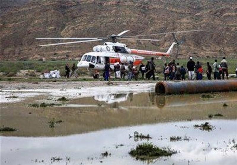 نجات 9 نفر از سیلزدگان دشتی با بالگرد هلالاحمر