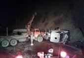 تصادف مرگبار تریلی حمل مواد شیمیایی با یک کامیون حمل خودروی سواری در سنندج