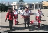 تیمهای امداد و نجات هلال احمر در مناطق سیلزده مشگینشهر امدادرسانی میکنند