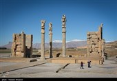 کشف ستون تاریخی دوره ساسانی در منزل یک مرودشتی/ ستون به موزه تخت جمشید منتقل شد