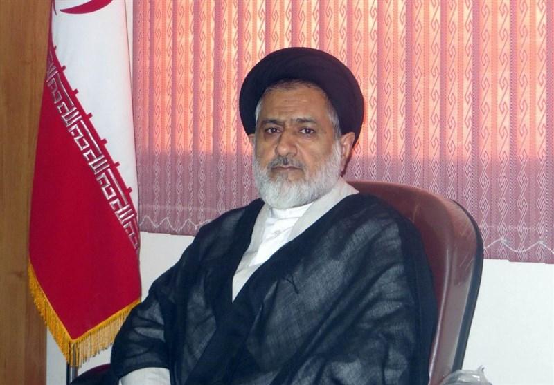 امام جمعه گچساران: در خطبه های نماز جمعه مورد خطابم تاجگردون نیست ...